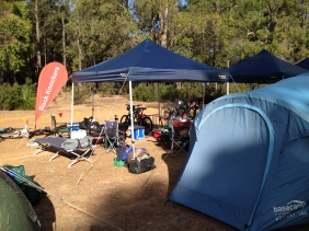 Great set up, beds, tent, bbq, bikerack. Si has done this before