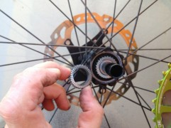 The standard 18T ratchet gearing is replaced with the 32T in the hub and in the freehub body.
